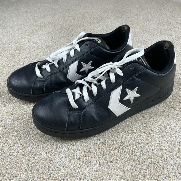 Vintage Converse one star black leather shoes low